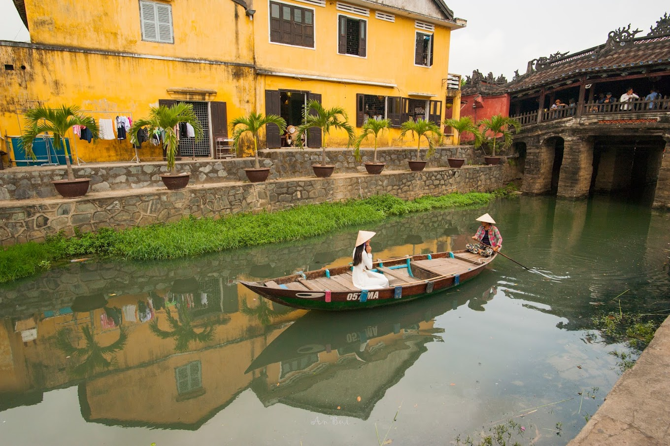 Photography in Hoi An Ancient Town with lady in ao dai