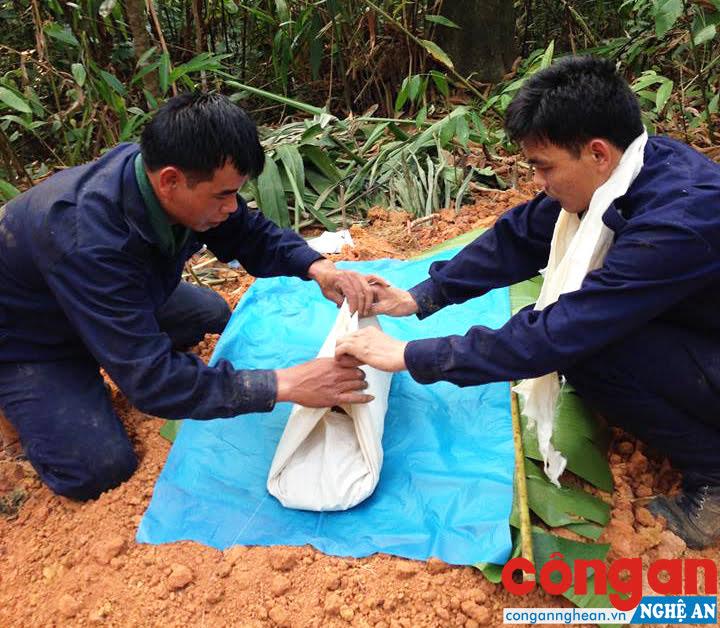 Đội Quy tập thực hiện nhiệm vụ tại nước bạn Lào