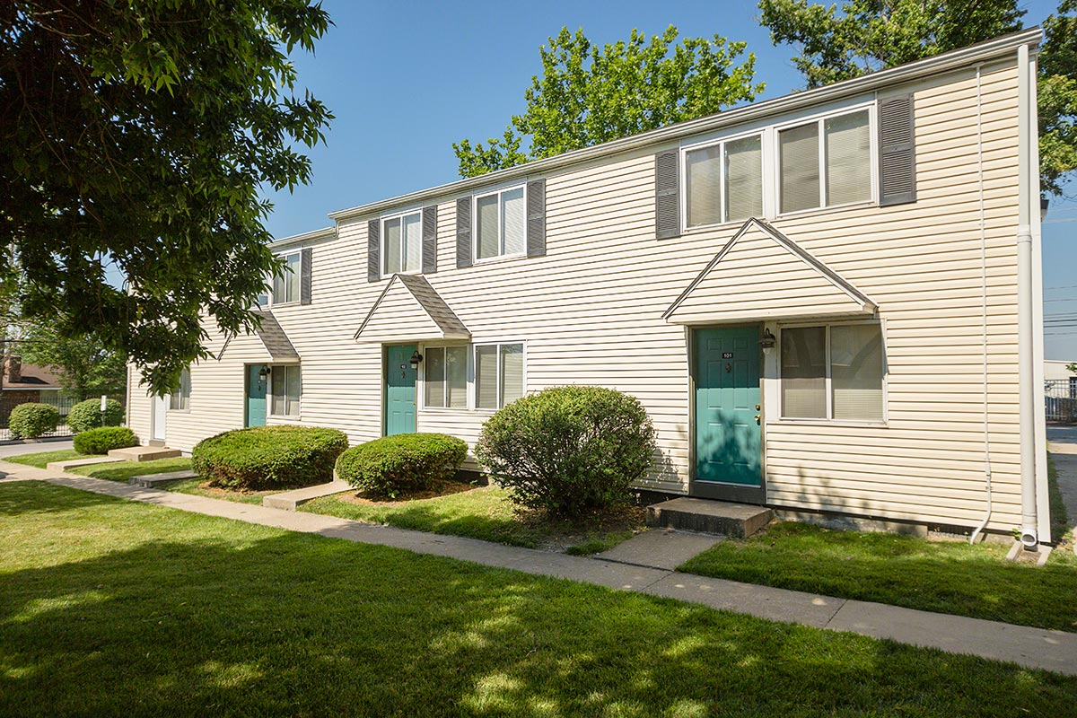 Columbia Square Townhome Apartments In Columbia Missouri The Yarco Companies