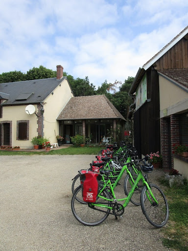 Follow the Seine: A Boating and Biking Trip from Paris to Montargis
