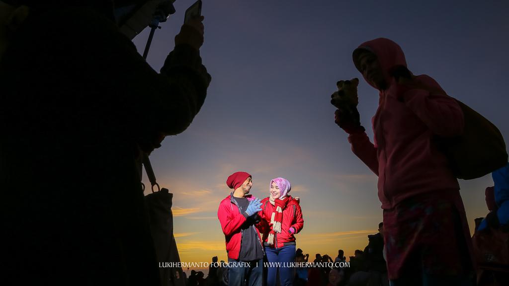 foto prewedding di penanjakan bromo sunrise