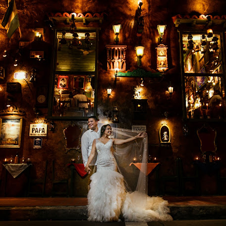 Wedding photographer Harvin Lewis (harvinlewis). Photo of 31.01.2018
