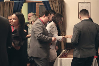 Photo: Šachová půlka, los o drink a pak už jenom najít svůj stůl