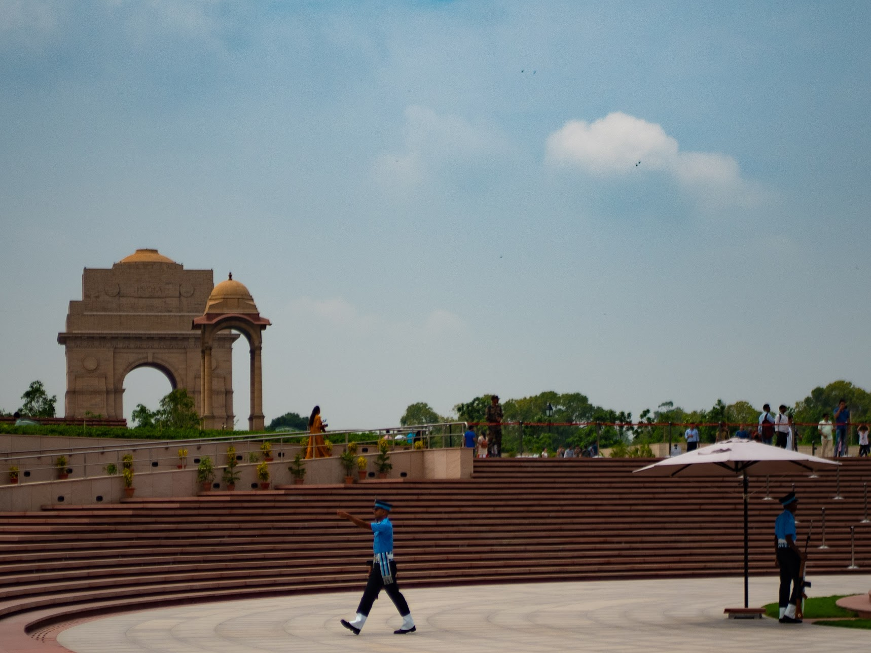 War memorial with India Gate in the background