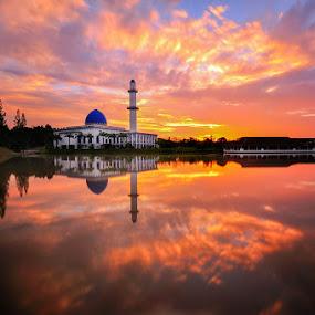 Uniten Mosque In Long Exposure by Azri Suratmin - Landscapes Sunsets & Sunrises ( masjid uniten, azri, malaysia, azrisuratmin, sunrise, uniten, uniten mosque )