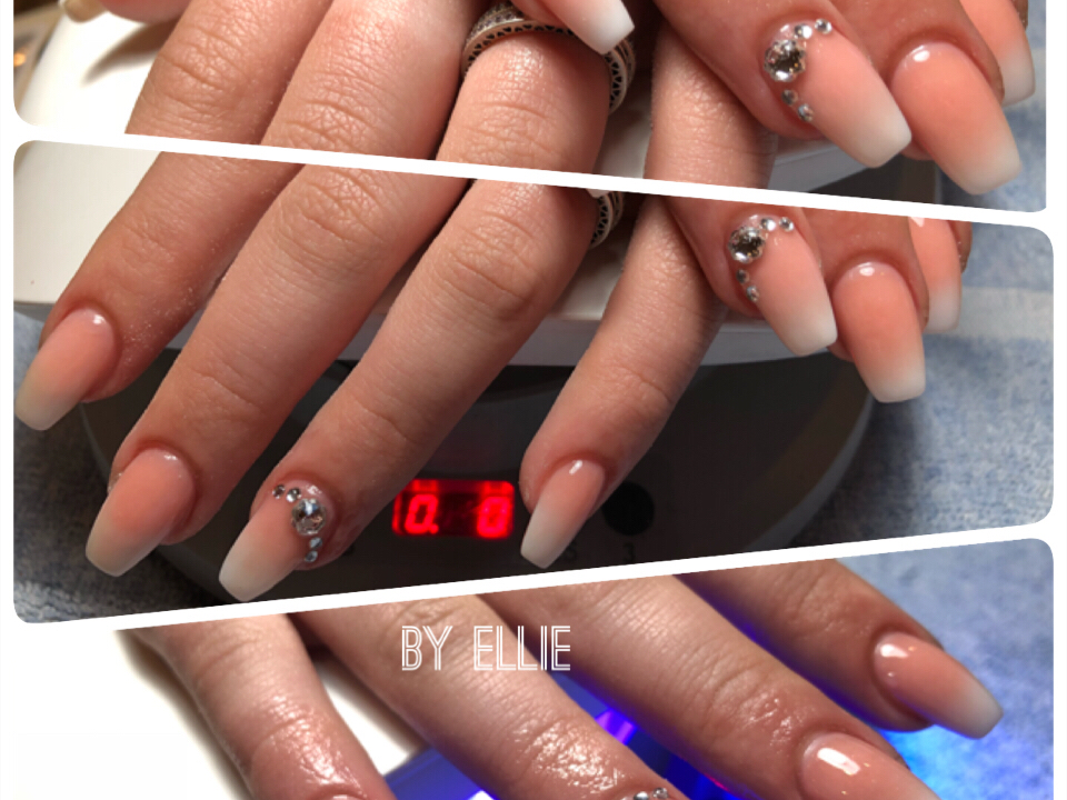 LV Nails - Spa in Mound