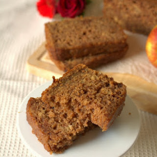 Cinnamon Apple Sauce Loaf Cake