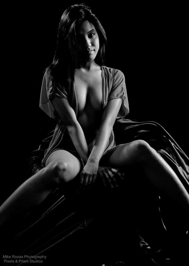 by Modelrose Cali - Nudes & Boudoir Artistic Nude