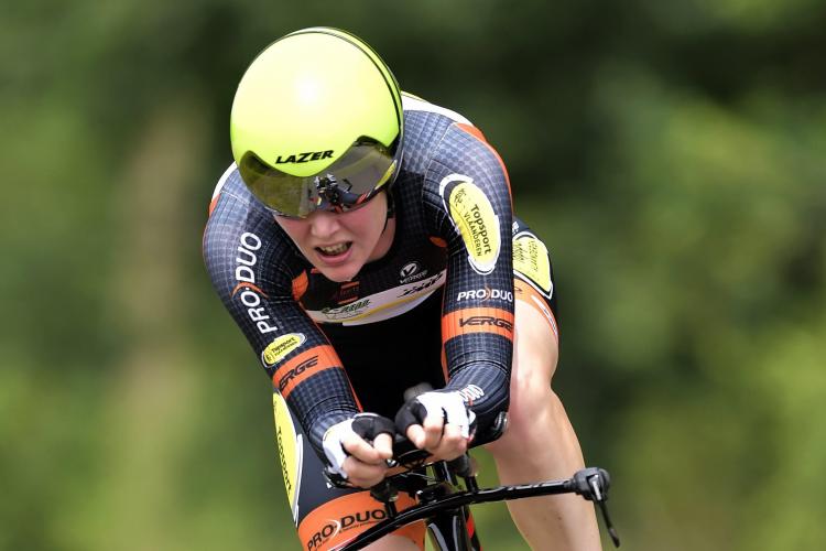 Hegemonie blijft duren: Belgische wielrenster pakt voor vijfde jaar op rij nationale tijdrittitel