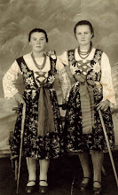 Photo: Bukowska Helena ,Bukowska Anna Jackowa -lata 40-te.