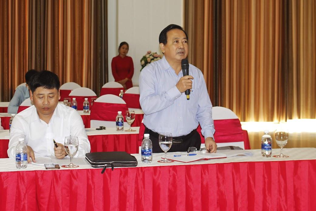 Nhà báo Trần Duy Ngoãn, Chủ tịch Hội Nhà báo Nghệ An phát biểu tại Hội nghị