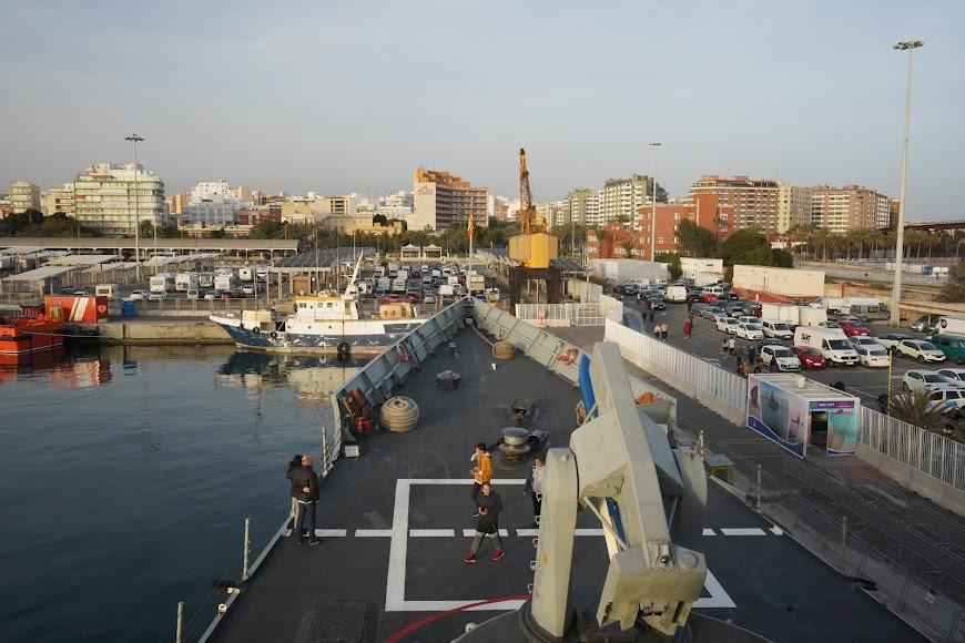La fragata Santa María está atracada en el Puerto de Almería.