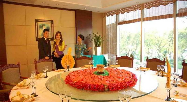 Lijiang Waterfall Hotel Guilin