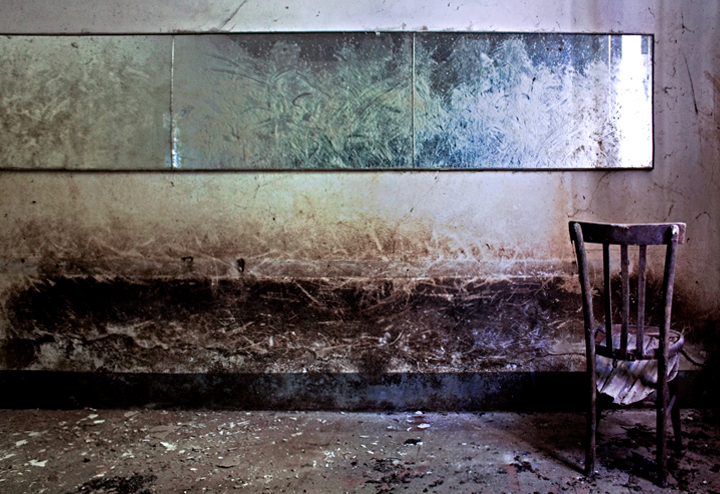 La sedia e lo specchio di babi83