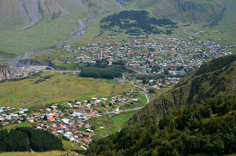 Photo: W dole Kazbegi i Gergeti