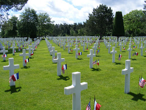 Photo: The remarkable precision of the crosses produces perfectly straight lines in all directions. All the graves face west, towards the United States.