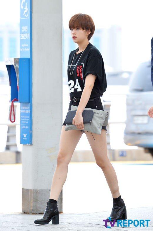 jeongyeon legs 34