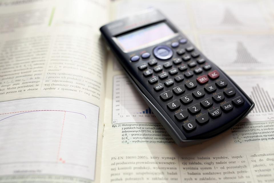 calculator-983900_960_720.jpg