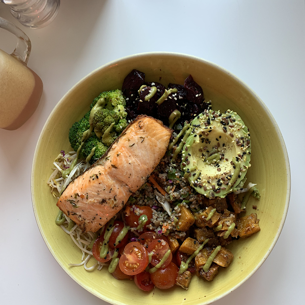 Vibe Salad with Salmon