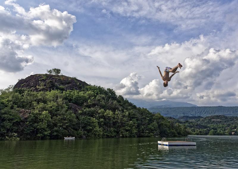 Salto in lago di Luciano Tassone