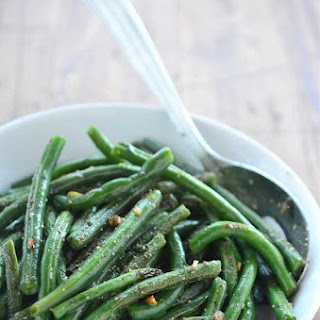 Summer Savory and Garlic Green Beans