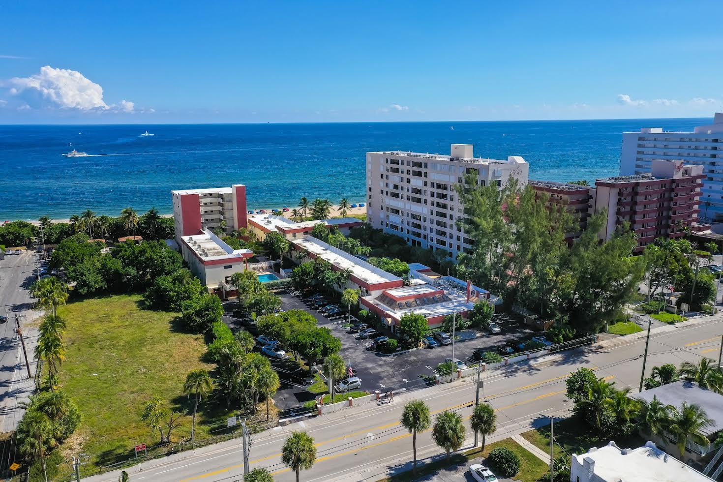 La Costa Beach Club Picture Number 3