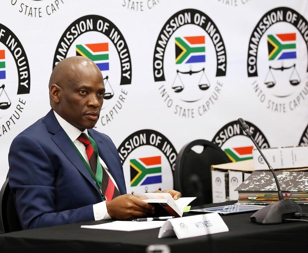 'Ek ken Zuma, maar hy is nie my vriend nie,' vertel Hlaudi Motsoeneng aan die kommissie - TimesLIVE