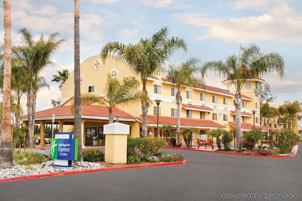 Holiday Inn Express Hotel & Suites San Diego-Escondido