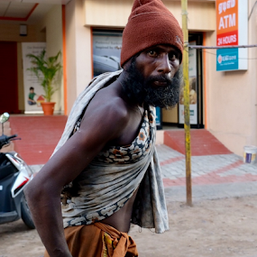 by Johann Pall Valdimarsson - People Street & Candids ( beggar, male, poor, india, outsider, people, travel photography )
