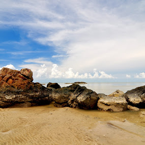 Batu Pantai by ANdi Khoebill - Landscapes Travel