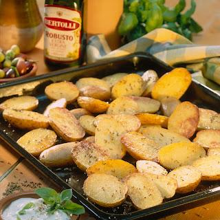 Ofenkartoffeln mit Käse-Basilikum-Dip