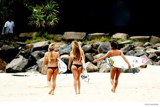 Photo: Coco Ho, Monyca Byrne-Wickey, and Kelia Moniz, Australia. Photo: Maassen #surferphotos