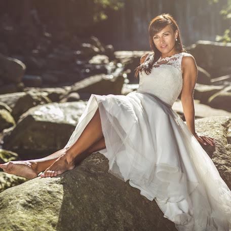Wedding photographer Piotr Ciupiński (fotosnajper). Photo of 27.09.2017