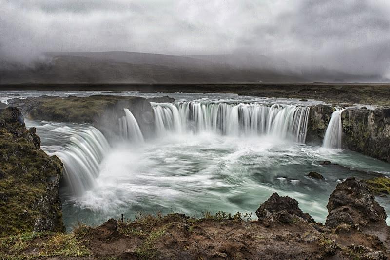 Islanda: acqua, terra, aria....il fuoco è sotto  di franca111