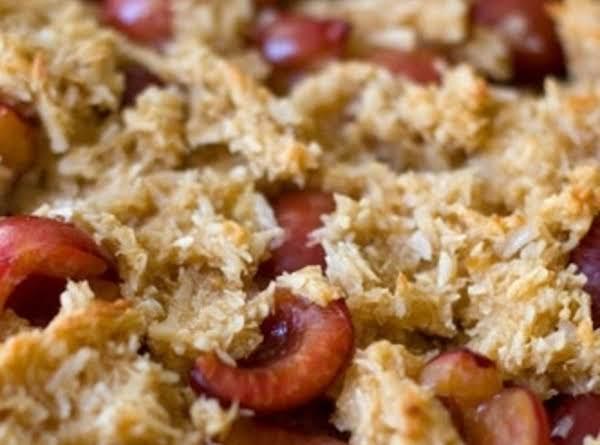 Macaroon Cherry Tart