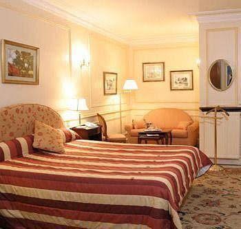 Hôtel du Rond-Point des Champs-Elysees