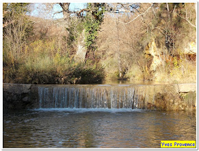 Photo: La petite cascade, en bas du village