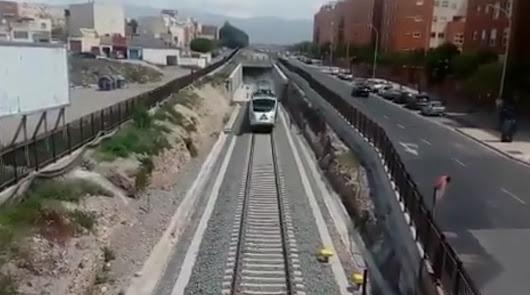Los trenes vuelven a la capital almeriense... en pruebas
