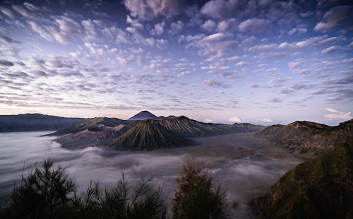 Just another view of bromo  by Said Rizky - Landscapes Mountains & Hills ( mountain, indonesia, cloud, sunrise, bromo )