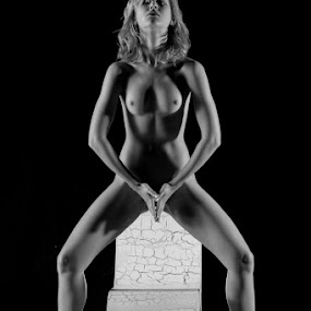 Great Balance by Shaun HODGE - Nudes & Boudoir Artistic Nude ( art nude, nude, dancer, skin )