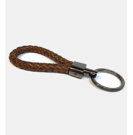 Nyckelhållare i buffelläder - flätad med ring - Brun