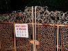 Porton enrejado de la casa roja de singapur
