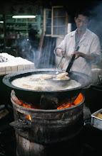 Photo: 11010 上海/自由市場/米製の菓子作り