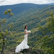 Wedding photographer Dmitriy Tikhomirov (dim-ekb). Photo of 11.07.2017