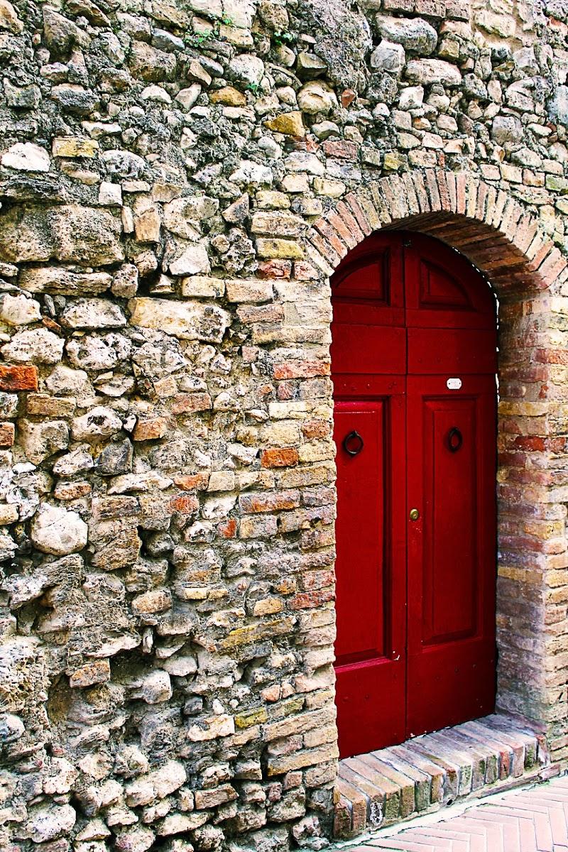 La porta di Marco Spinelli