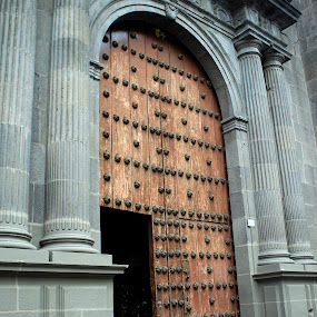 Church door by Cristobal Garciaferro Rubio - Buildings & Architecture Other Exteriors
