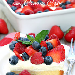 No Bake Berries and Cream Cake