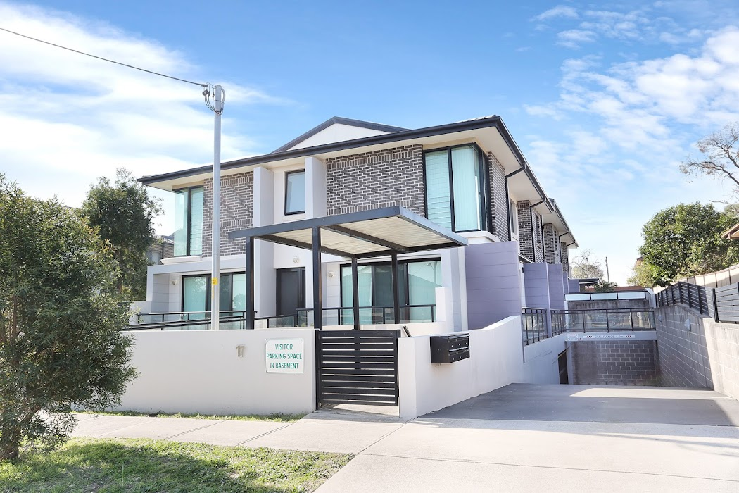 Main photo of property at 3/17 Adah Street, Guildford 2161