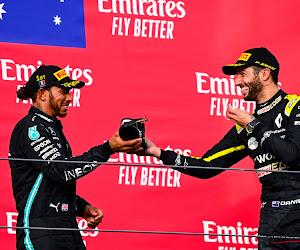Hamilton heeft al snel spijt van 'shoey' van Ricciardo