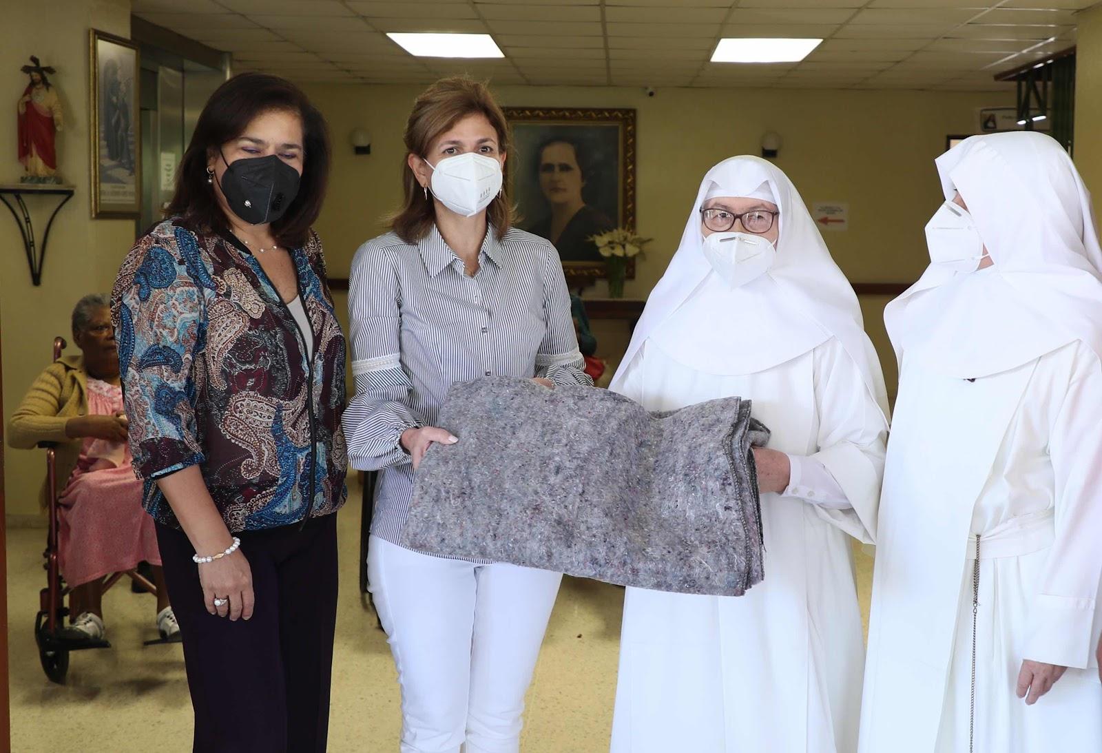 Vicepresidenta lleva afiliación a centro geriátrico en Jarabacoa